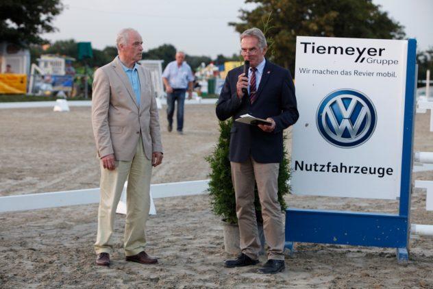 Gerd von Spiess mit silberner Nadel geehrt